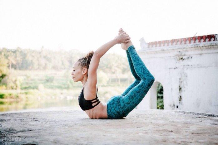 йога на горе йога лодочка